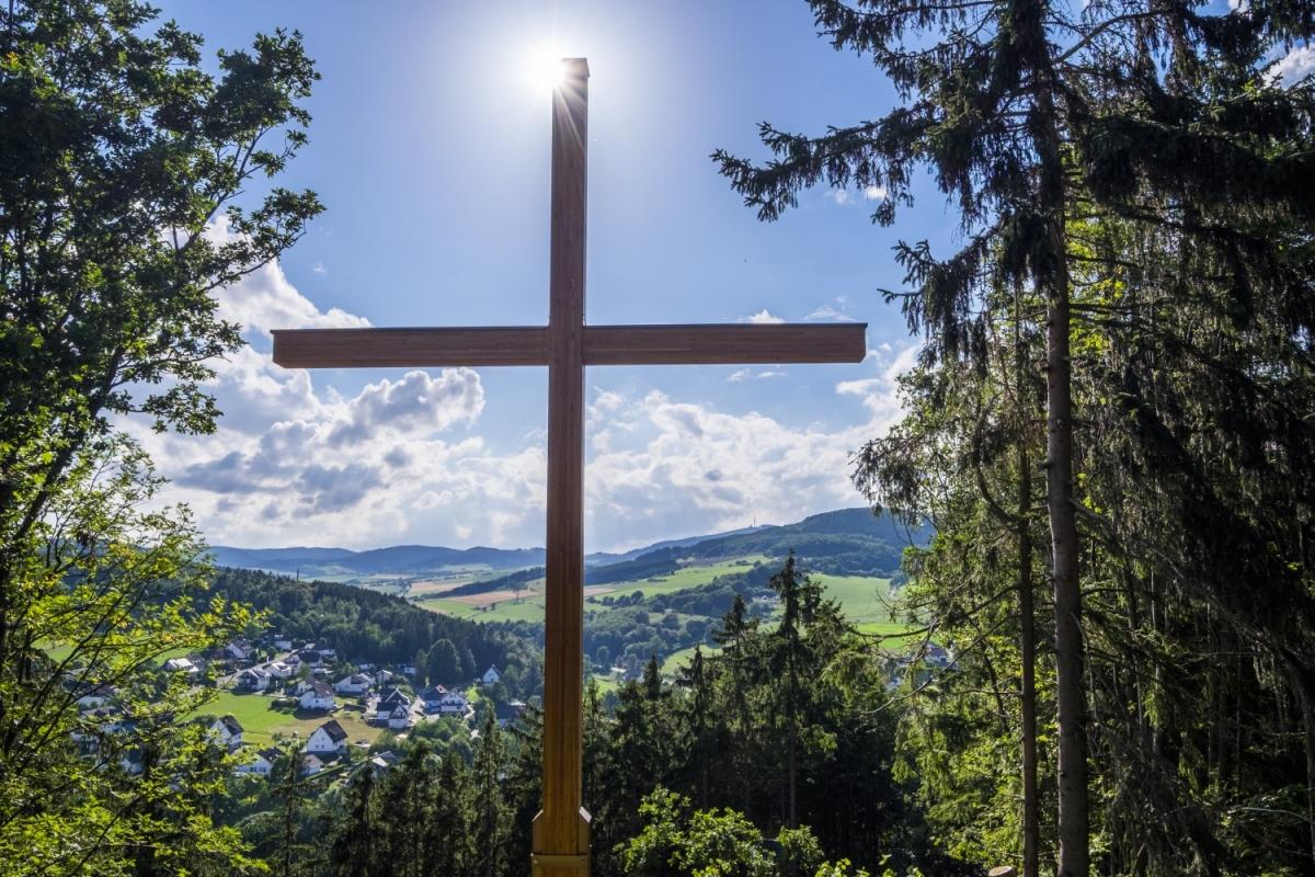"Ortsansicht vom ""Opolt"" Medebach-Dreislar - Bildrechte Sauerland Wanderdörfer Klaus Peter Kappest"