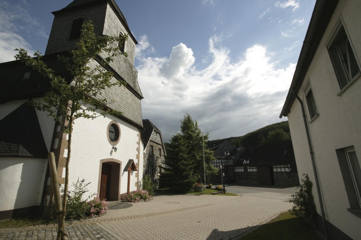 Kirche / Ortsmitte Medebach-Referinghausen