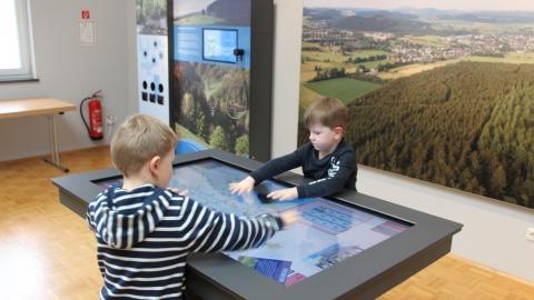 Ausstellung zur Medebacher Bucht in der Tourist-Information